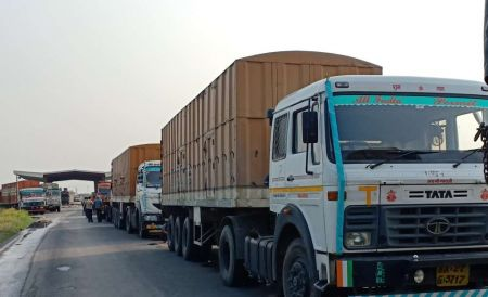 Transport Entrepreneurs' Protest Brings Transportation of Goods to a Standstill