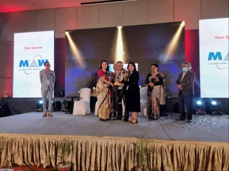 "Standard Chartered Bank Nepal awarded with ""Excellence in Learning and Development"""